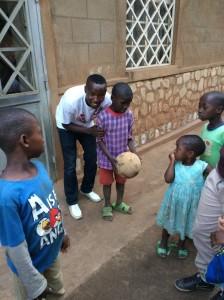 Vianney et le jeune footballeur aveugle