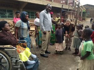visite des malades du Dr Jeff à Heri Kwetu